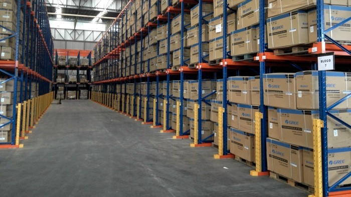 Warehouse-Heavy-Duty-Pallet-Storage-Rack-with-Forklift-Drive-in Коронавирус и арбитраж. Наша реальность